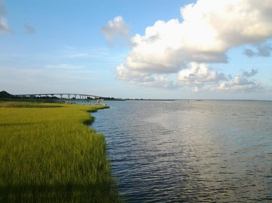 Water Street Hotel & Marina: Apalachicola Bay