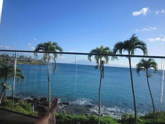 Napili Kai Beach Resort: View from ocean front studio
