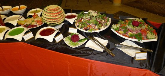 Urban Rose Hotel and Apartment: Banquet Table