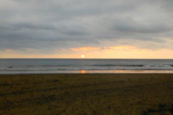 Hotel Hosteria Nantu: Puerto Lopez sunset