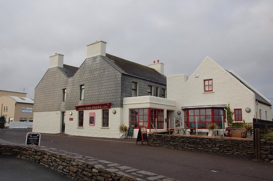 Skellig Side B&B : O'Neill's The Point Bar & restaurant.