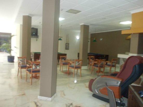Saint George: Lobby