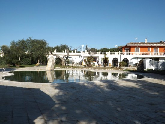 Piscina foto di la tredicina francavilla fontana tripadvisor - Piscina mediterraneo taranto ...