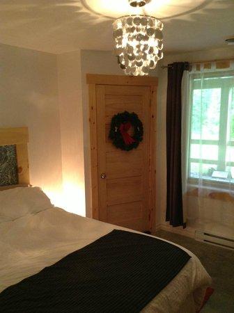 Le Domaine du Lac Saint Charles: Our room