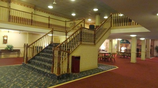 Ramada Morgantown Hotel and Conference Center : Entrance hall