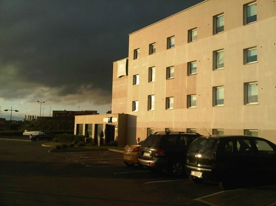 Ibis Budget Reims Thillois : Exterior
