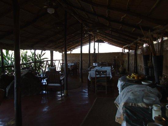 Taita Falcon Lodge: Dining and meeting area