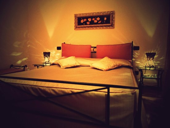 B&B Country House L'Ulivo Antico : camera matrimoniale