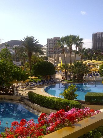 Spring Arona Gran Hotel: View from our balcony