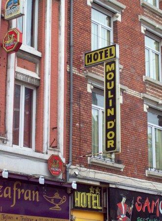 Hôtel du Moulin d'Or : Façade de l'hôtel