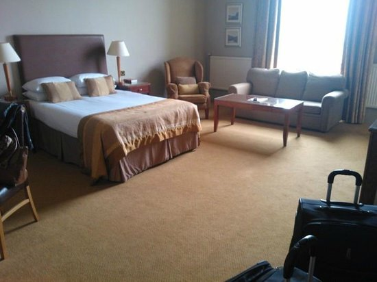 Macdonald Marine Hotel & Spa: Huge room!