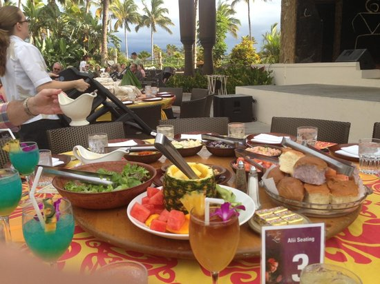 Legends of Hawaii Luau: The Appetizers