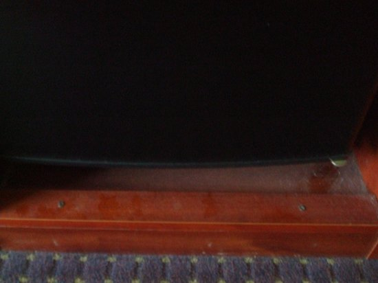 Dust in my room at Hampton Inn Easton, PA