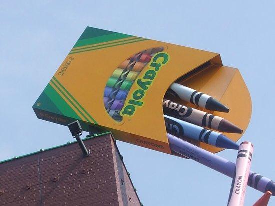 Hampton Inn Easton: Crayola Factory