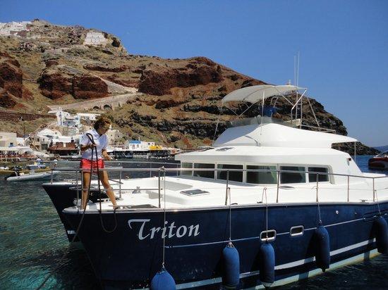 Santorini Sailing : Triton