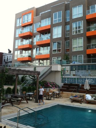 McCarren Hotel & Pool: King & Grove pool