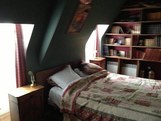 Manoir de la Baronnie: Jules Verne room in Armateur Suite