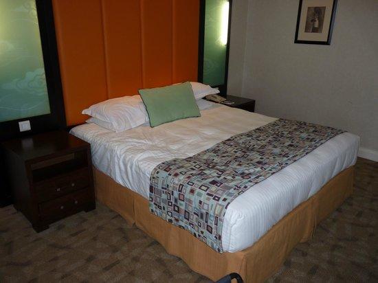 Millennium Gloucester Hotel London Kensington: Comfy Bed