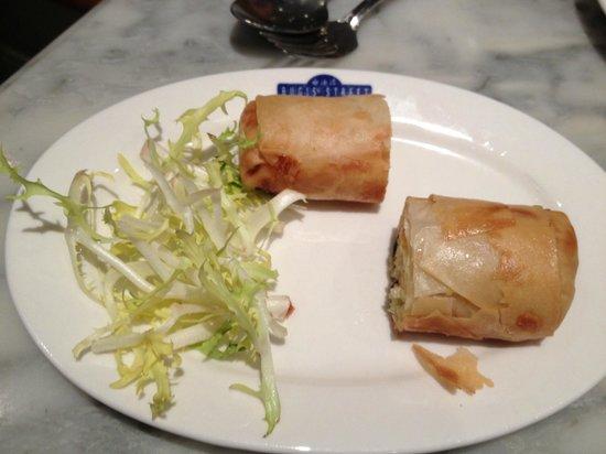 Bugis Street Brasserie: Vegetable Spring Rolls
