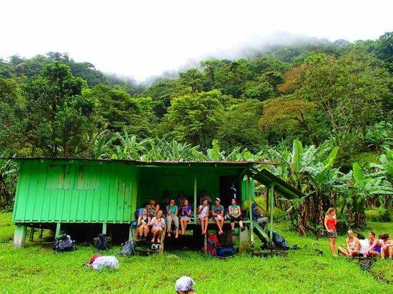 Children's Eternal Rain Forest: Refugio Aleman, the halfway point to Eladios