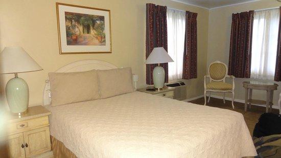 20th Century Motor Lodge: Bed
