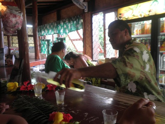 Fare Vaihere: Sampling of pineapple wine and other goodies at nearby fruit factory