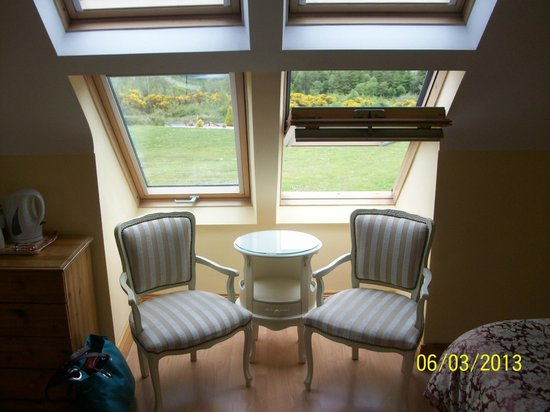 Eas Dun Lodge : Sitting area next to the window