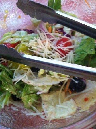 Vinny Vanucchi's: fresh tasty salads