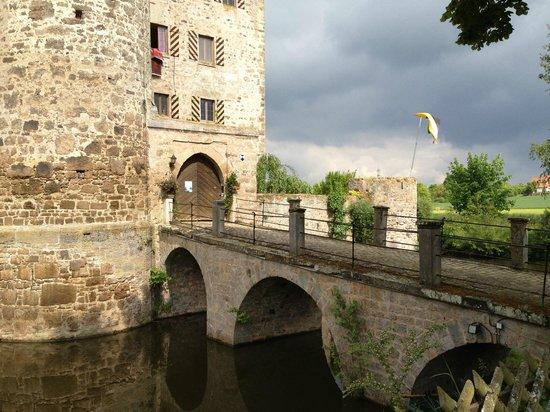 Burgoberbach, Deutschland: Castle moat