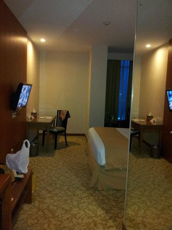 Swiss-Belinn SKA Pekanbaru: room from entrance