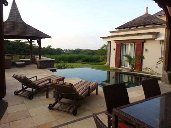 Heritage The Villas: Garden