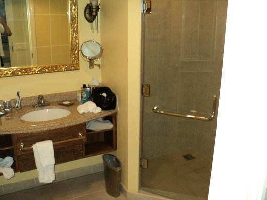 Hilton Barbados Resort: bathroom - shower stall on the left is also a tub out of view
