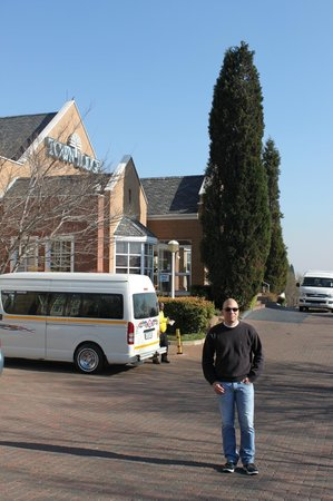 Town Lodge Airport Johannesburg: Parking Hotel