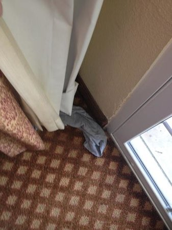 Holiday Inn San Antonio Downtown: previous guest's clothing