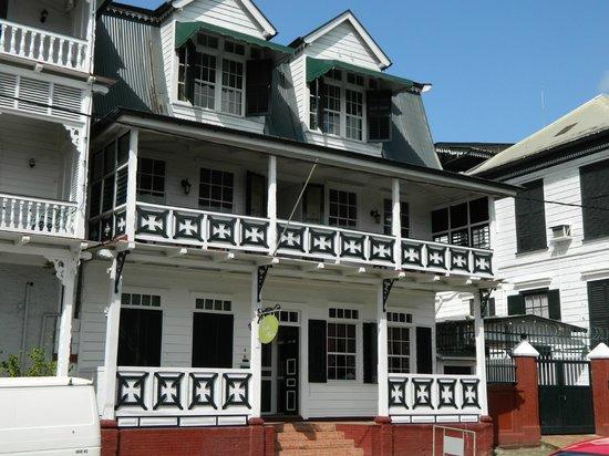 Hotel La Petite Maison: La petite maison