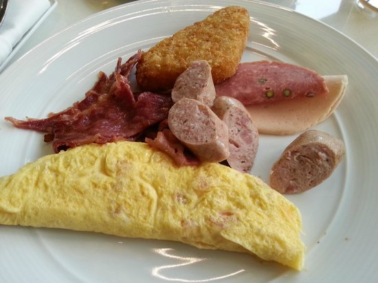 Aloft Kuala Lumpur Sentral: Breakfast (Very nice omelette)