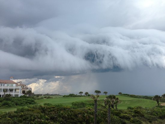 Cinnamon Beach at Ocean Hammock Beach Resort: Beautiful storm coming in. View from #425