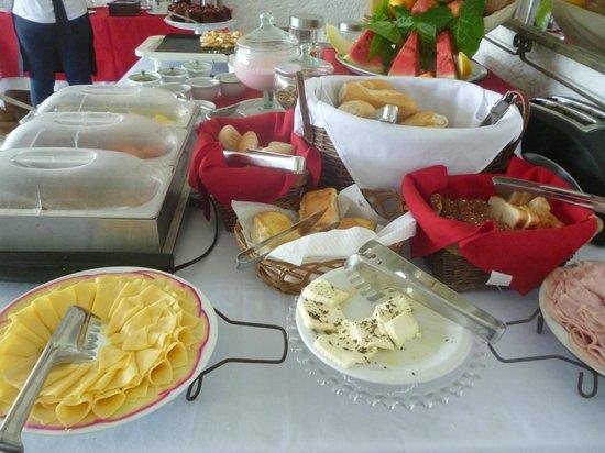 Hotel Praia dos Anjos : Café da manhã
