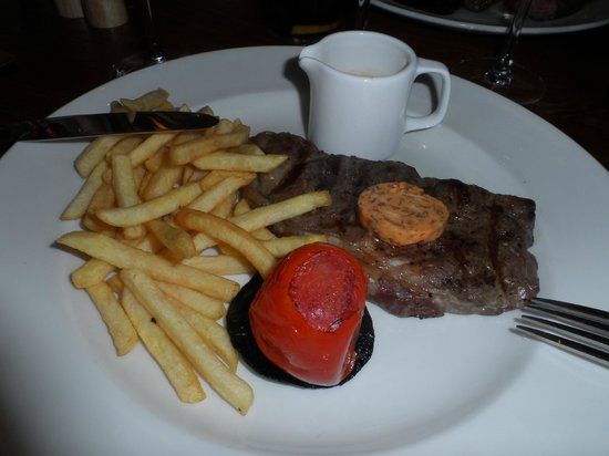 The Chester Fields: Steak with fries - divine!