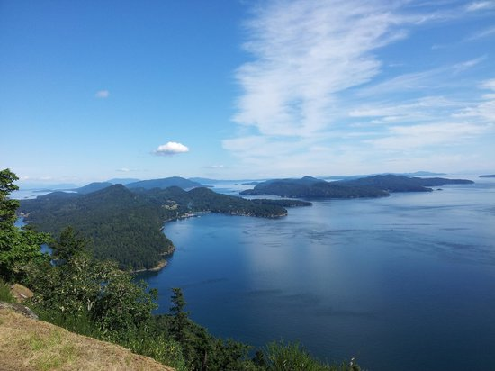 Sticks and Stones Country Cottages: view from Mount Galiano