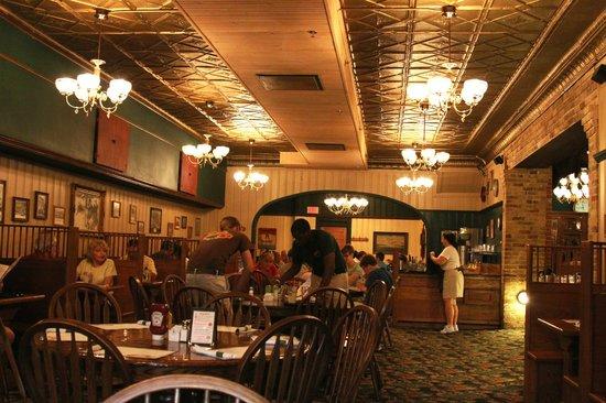 Clementine's : Restaurant Interior