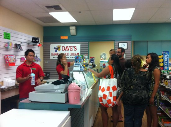 Kamoi Snack-n-Go: Customers choosing the flavor of the day