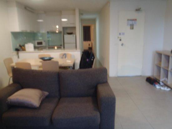 Trickett Gardens Holiday Inn: living room 3
