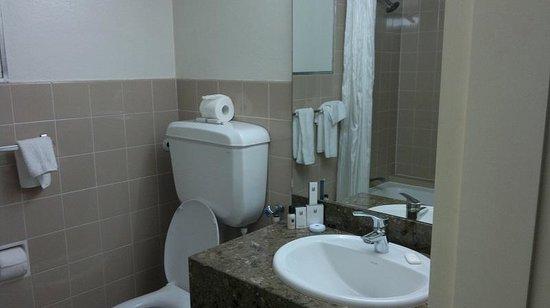 Copthorne Hotel Auckland HarbourCity: Bathroom