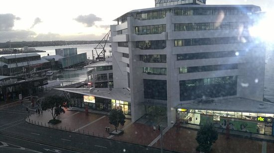 Copthorne Hotel Auckland HarbourCity: View to left