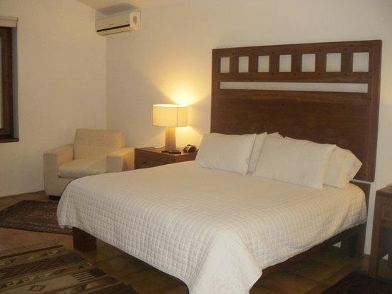 Casareyna Hotel: Habitación.
