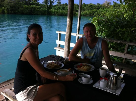 Lusia's Lagoon Chalets: special breakfast on the deck
