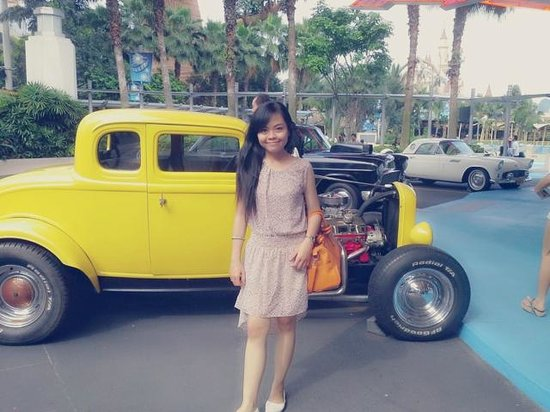Classic Cars In Hollywood Theme Park Picture Of Universal