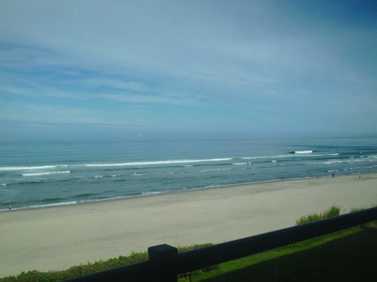 Starfish Manor Oceanfront Hotel: Amazing view of the ocean from our room.