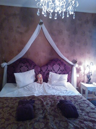Grand Rose SPA Hotel: bed